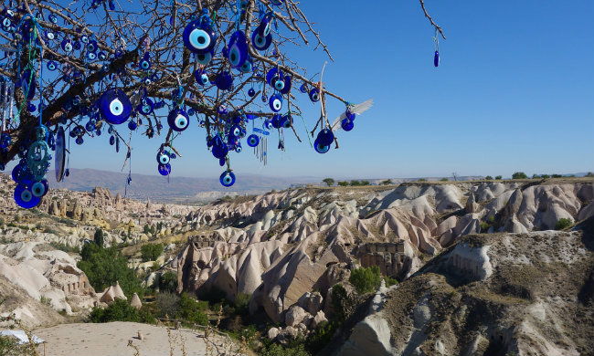goreme-panorama-mavi-boncuklu-ağaç