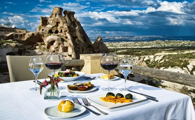 kapadokya manzaralı yemek