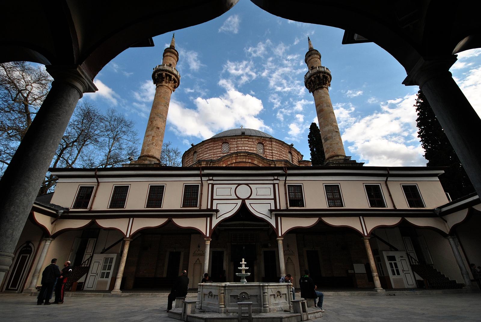 Kapadokya gezilecek yerler - Emir Sultan Camii ve Külliyesi